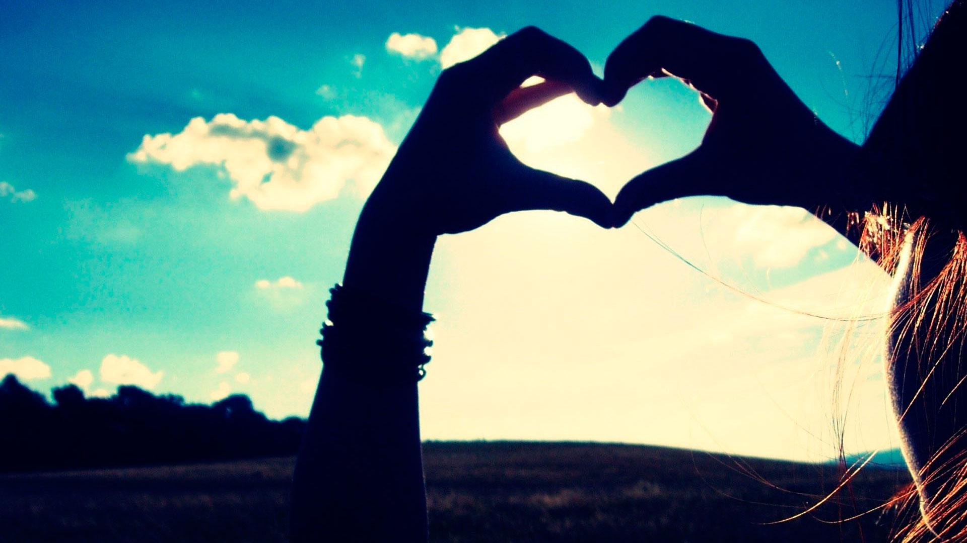 Как делать сердце из рук фото