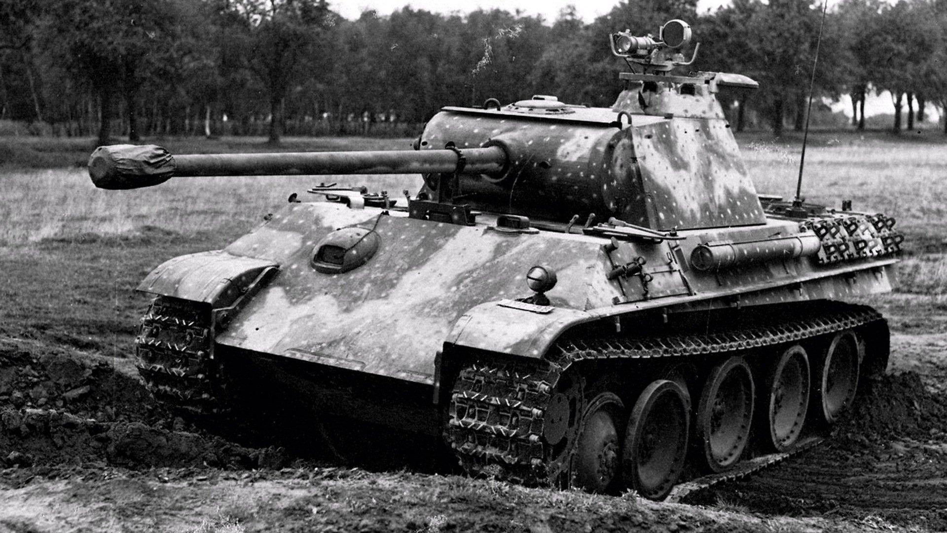 Обои Черно-белый танк, картинки - Обои ...: www.fullhdoboi.ru/photo/weapon/cherno_belyj_tank/35-0-7381